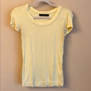 Yellow fitted short sleeve shirt